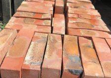 brick-33x15x95cm